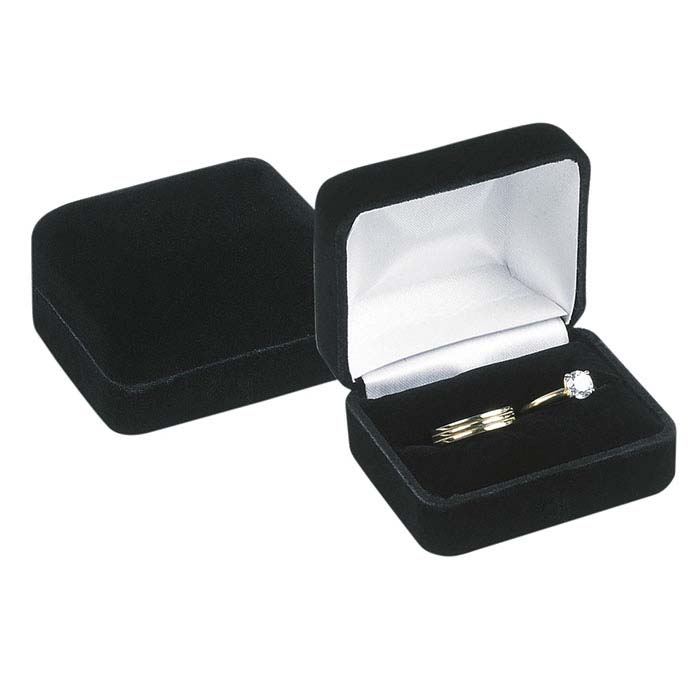 Black Velvet Double-Ring Gift Box