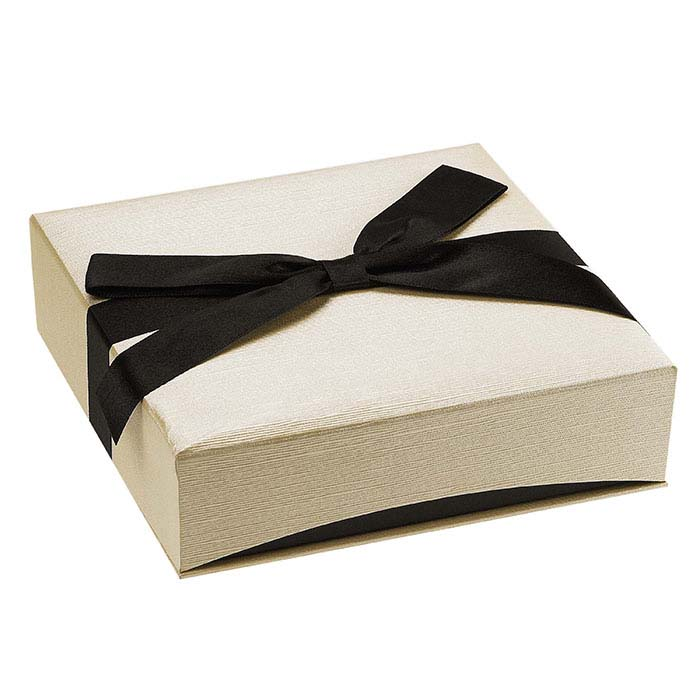 Ribbon-Wrapped Linen Paper Necklace Gift Boxes