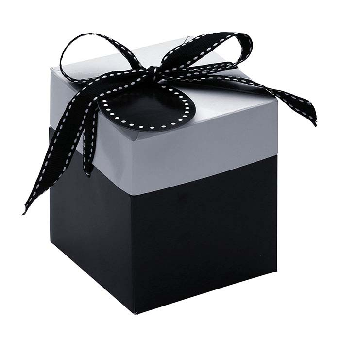 Two-Color Pop-Up Gift Boxes