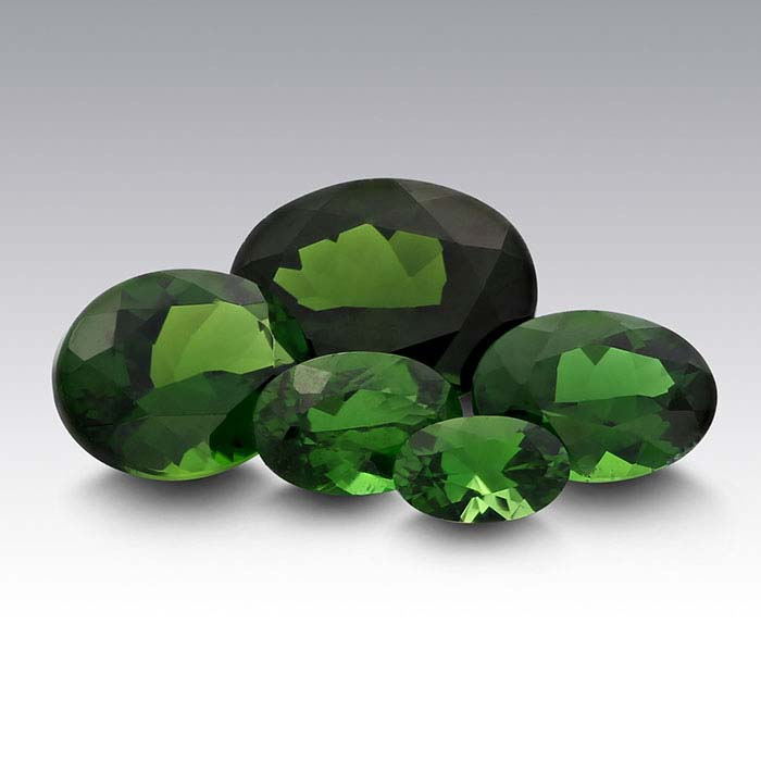 Chrome Diopside Oval Faceted Stones, AAA-Grade